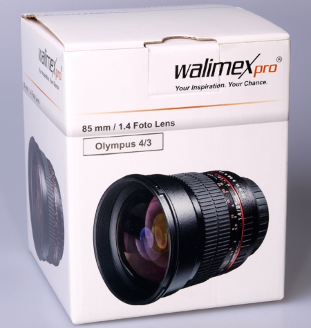 Walimex pro 85mm camera in box